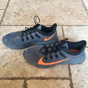 Nike Quest mens athletic shoes. Size 11.